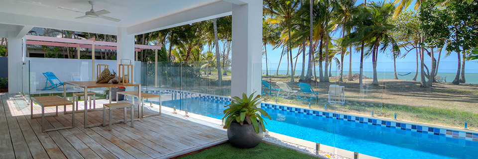 Beach house accommodation on Oak Beach in Port Douglas